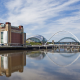 OLD-MEETS-NEW-ON-THE-TYNE-by-Frank-Hobbs1